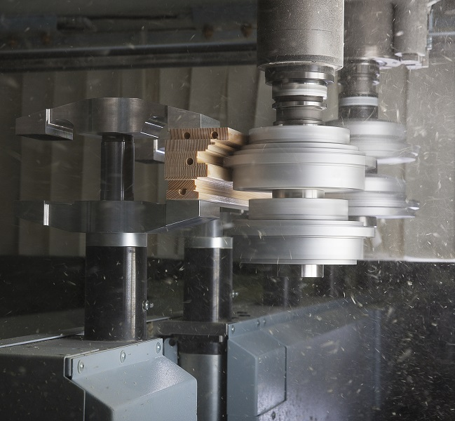 Trim two workpieces in one process step with the profile splitting unit.