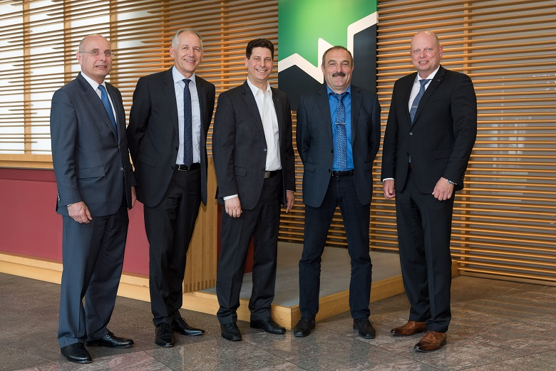 The Weinig management board with Wolfgang P�schl, Gregor Baumbusch and Gerald Schmidt together with the head of the new business unit Automation & Digital Business, Jochen Ganz and Otto Leible.