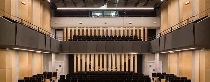 Auditorium of Bondy/ France with Valchromat panels.